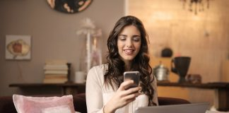 How to Flirt Online: Awesome Tips for Success